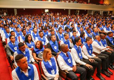 TOTAL y CENAPEC celebran 3ra graduación