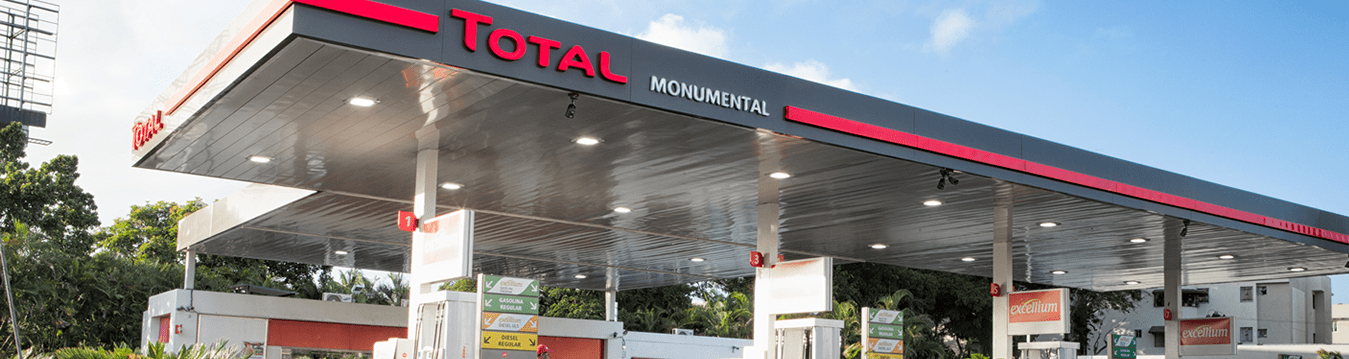 Estación de Combustible Total Monumental
